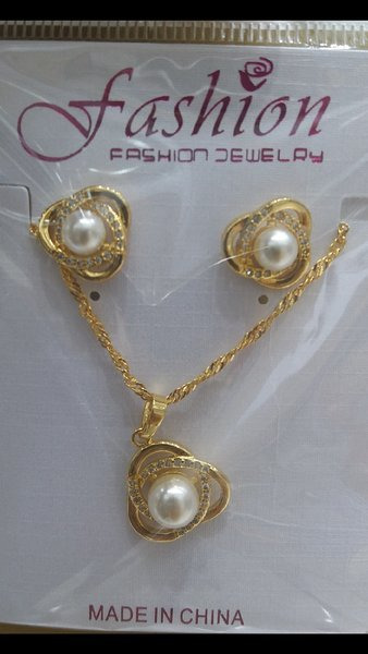 Used Gold plated jewellery set in Dubai, UAE
