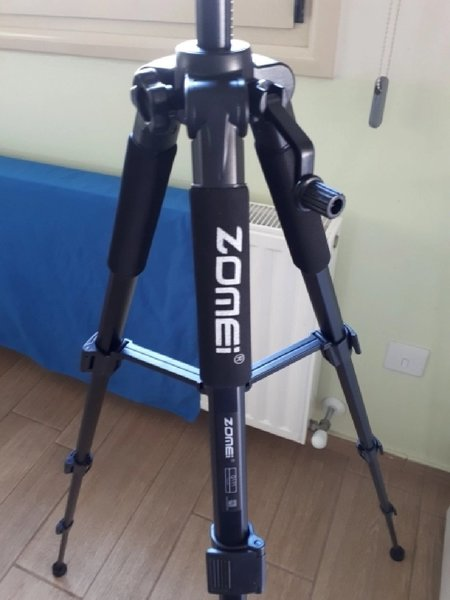 Used Professional tripod in Dubai, UAE