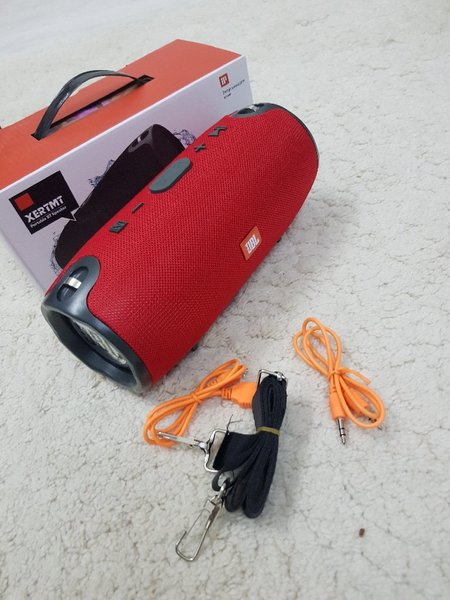 Used XTERM JBL RED.. in Dubai, UAE