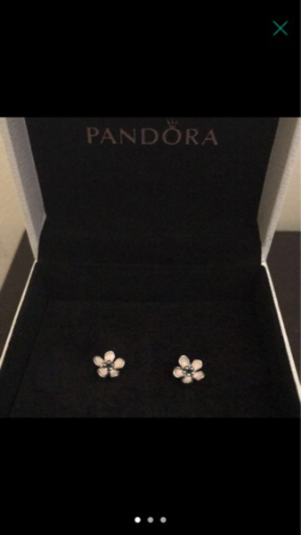 Used Pandora Earrings New. Original. in Dubai, UAE