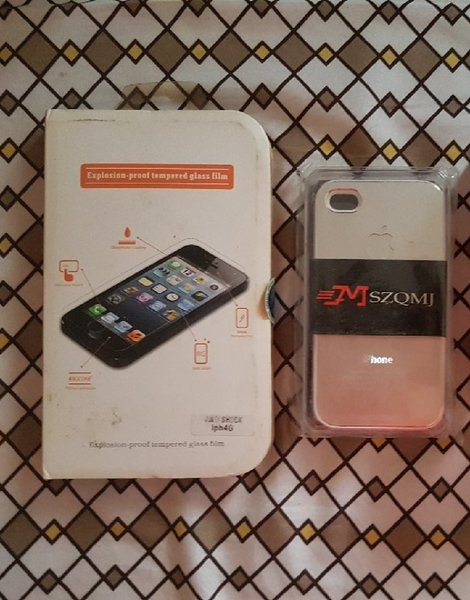 Used IPhone 4s case and screen protector in Dubai, UAE
