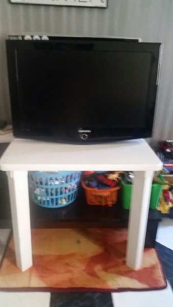 Used SAMSUNG HD TV (32 lnches) in Dubai, UAE