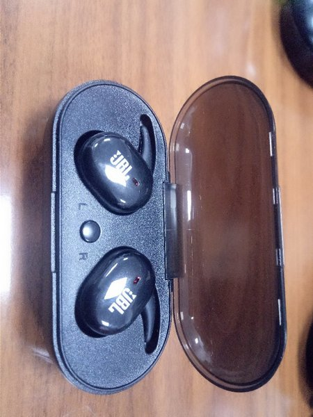 Used JBL SPORTS AIRPODS MASTER COPY. in Dubai, UAE