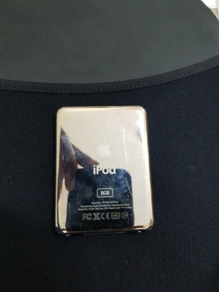 Used ipod nano 8gb black in Dubai, UAE