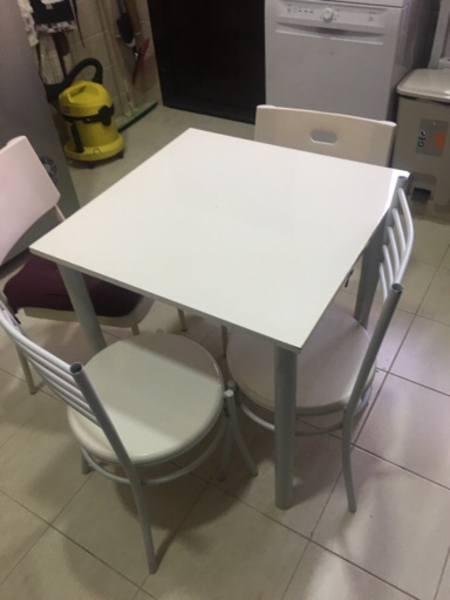 Used Small table 2 chairs in Dubai, UAE