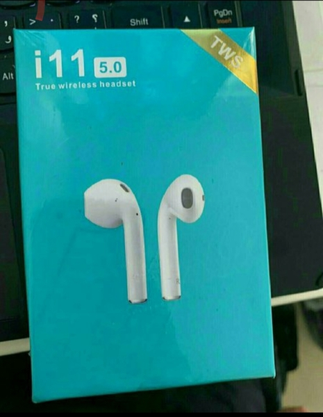 Used ..Bluetooth.. i11 ne.w. in Dubai, UAE