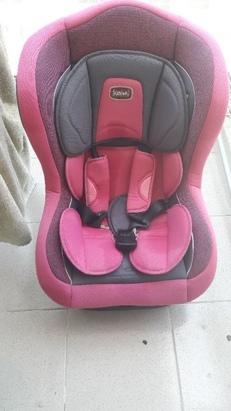 Used Juniors brand just like new car seat in Dubai, UAE