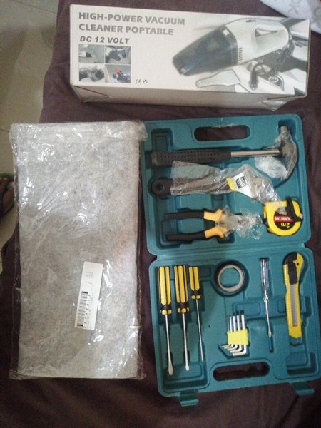 Used 16pc tools+car vacum cleaner+carstorage in Dubai, UAE