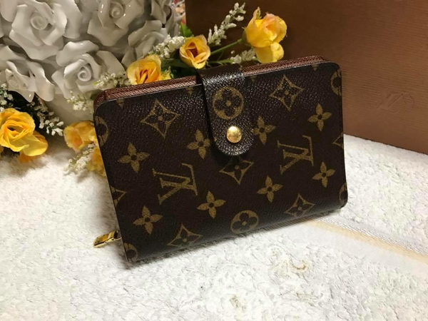Used Authentic louis vuitton compact wallet  in Dubai, UAE