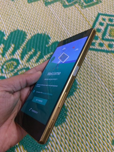 Used Sony xperia z5 premium gold in Dubai, UAE