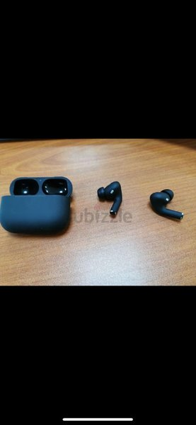 Used Airpods premium quality in Dubai, UAE