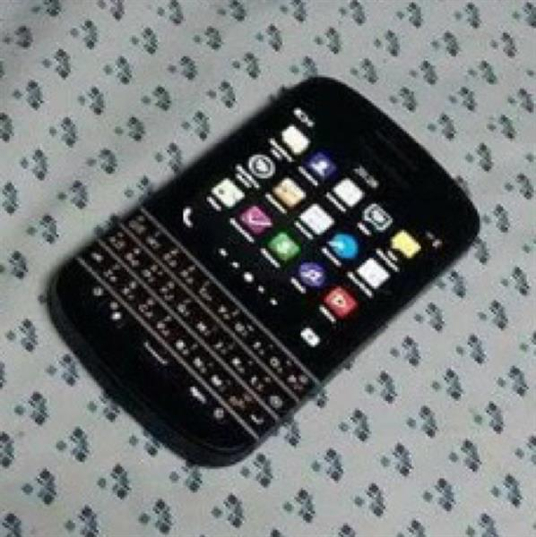 Used Blackberry Q10 , Perfect Condition + Charger And The Box . in Dubai, UAE