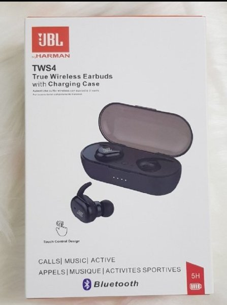 Used TOP SELLING TWS4 QUALITY AIRPODS in Dubai, UAE