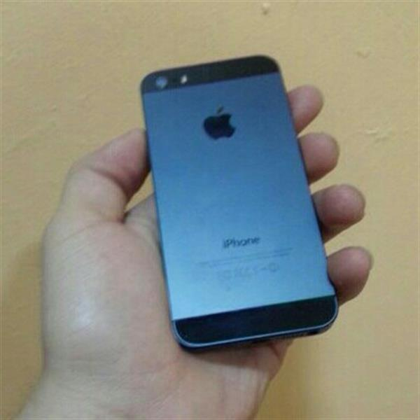 Used iphone 5 32gb black in Dubai, UAE