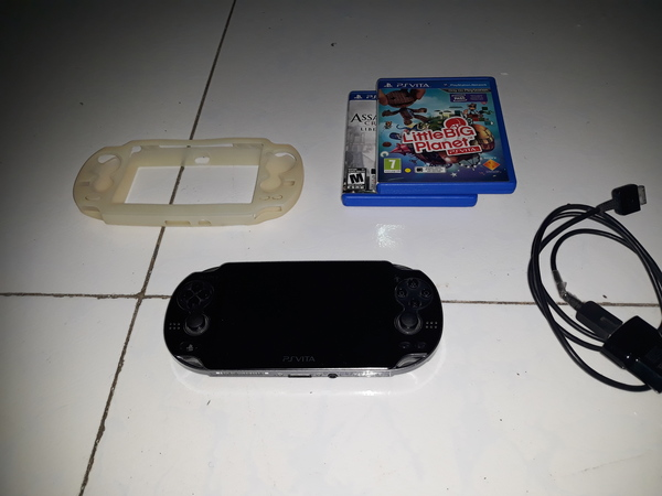 Used Ps vita for cheap price in Dubai, UAE