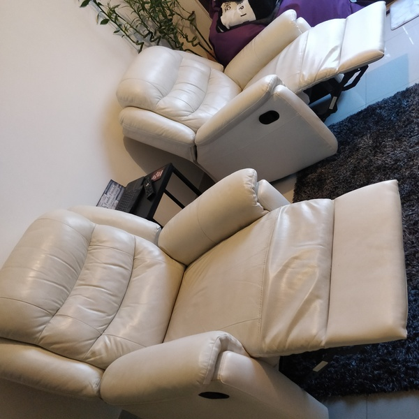 Used Leather recliners in Dubai, UAE