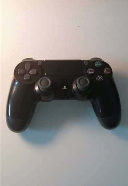 Used PS4 & PS3 Controllers (Has Issues) in Dubai, UAE