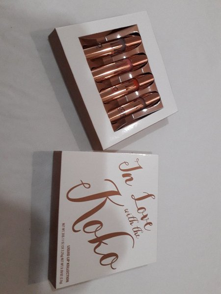 Used Matt and gloss lipstick set (4pcs) 1 Set in Dubai, UAE