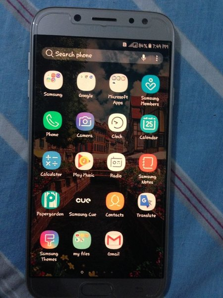 Used I am selling my samsung j7 pro in Dubai, UAE