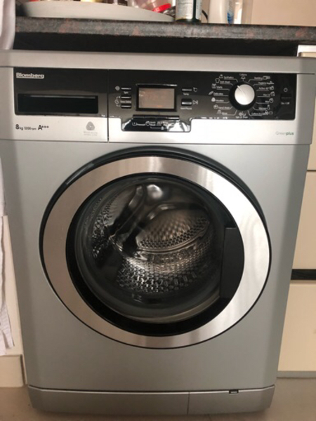 Used Blomberg washing machine in Dubai, UAE