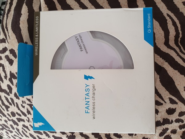 Used New wireless charger for compatible Sams in Dubai, UAE