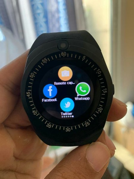 Used Sw6 calling watch with touch screen in Dubai, UAE