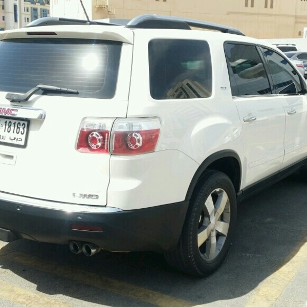 Used GMC ACADIA SLT 7 SEATER TOP RANGE NO ACCIDENT GCC SPEC BRAND NEW CONDITION in Dubai, UAE