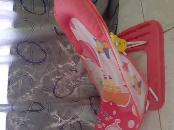 Used Comfortable seat for baby in Dubai, UAE