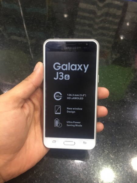 Used Samsung galaxy j3 6  in Dubai, UAE
