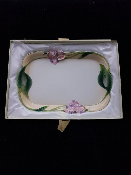 Used Porcelain Serving Plate in Dubai, UAE