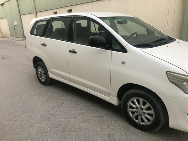 Used Toyota Innova 2014 in Dubai, UAE