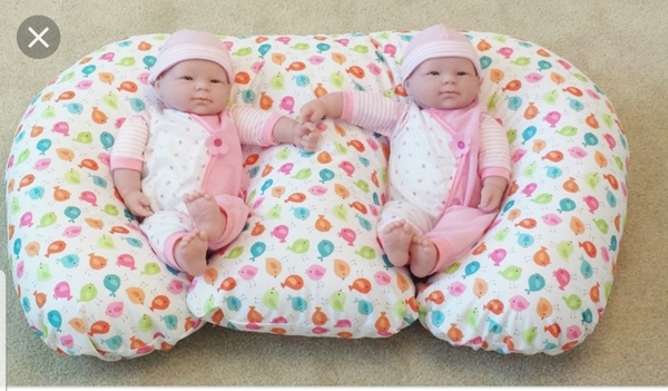 Used Twin babies feeding pillow in Dubai, UAE