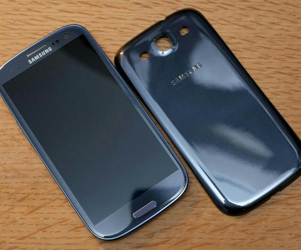 Used Samsung S3 Used Very Lightly used in Dubai, UAE