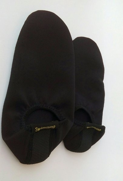 Used SQUAT SHOULDER PAD+QUICK DRY BEACH SHOES in Dubai, UAE