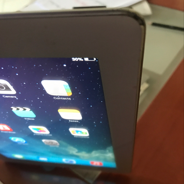 Used Ipad 2 Wifi Without Box With Smart. Case In Okay Condition, Little Damaged  in Dubai, UAE