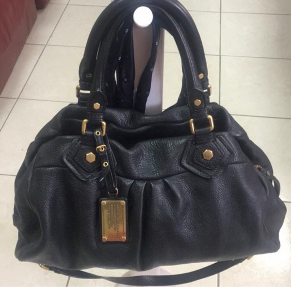 Used Authentic Marc Jacobs Leather Bag  in Dubai, UAE