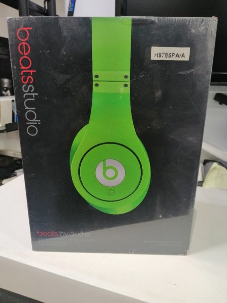 Used Beats studio in Dubai, UAE