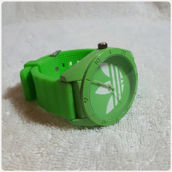 Used Green A watch fashion new in Dubai, UAE