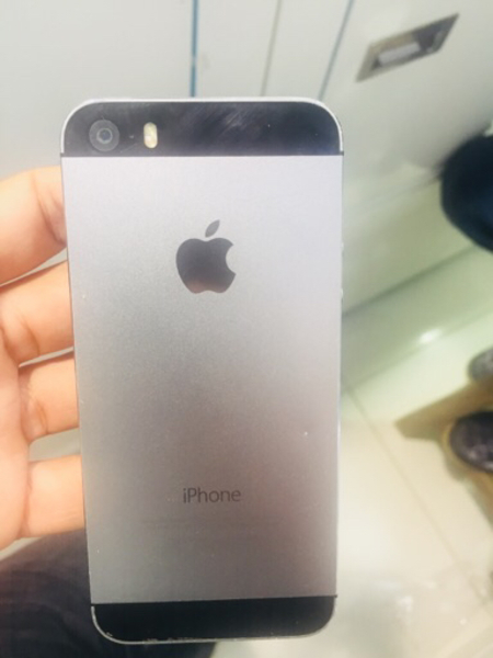 Used IPhone 5s 16gb  in Dubai, UAE
