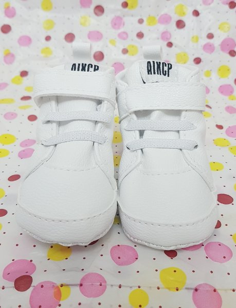 Used Baby's shoes   3 to 6 months in Dubai, UAE