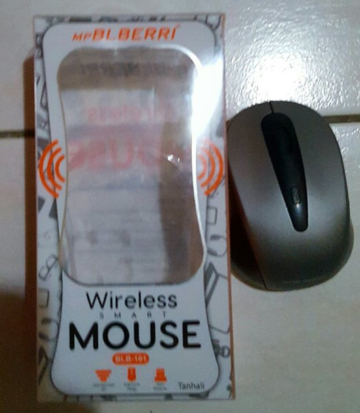 Used Wireless mouse with battery 🔋 in Dubai, UAE