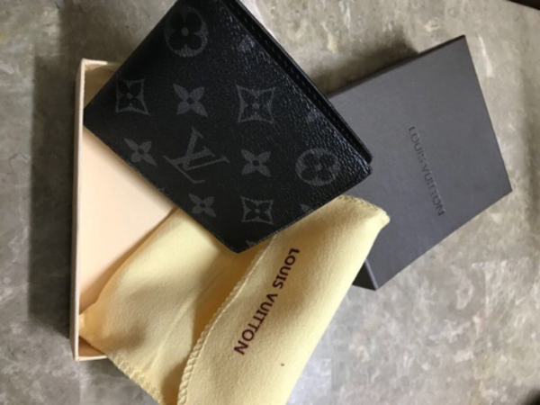 Used Louis vuitton men's wallet brand new in Dubai, UAE