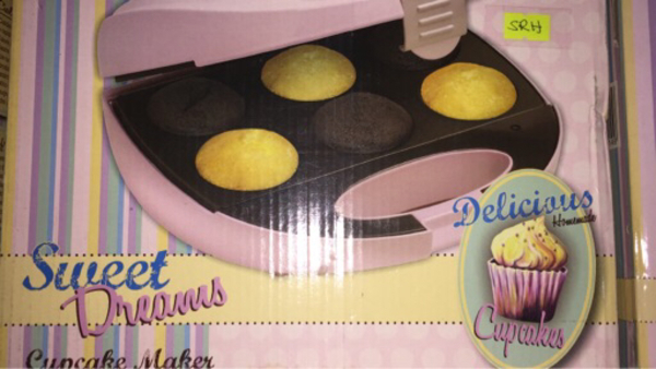 Used Bestron cupcake maker DCM8162 in Dubai, UAE