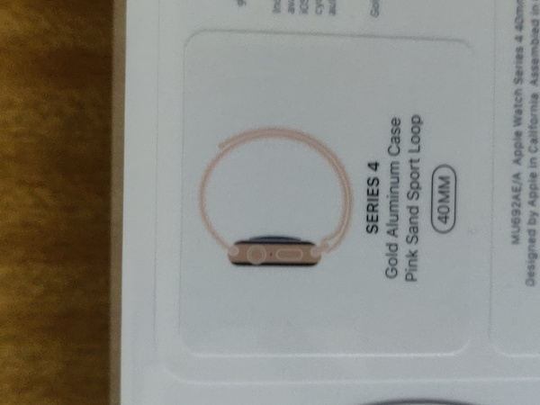 Used Apple watch Series 4 40 MM GPS gold in Dubai, UAE