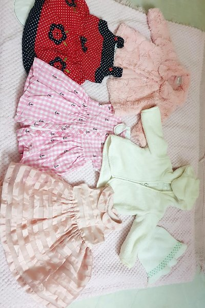 Used Mix clothes for baby/size 1 year in Dubai, UAE