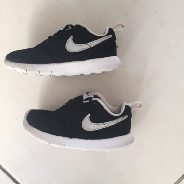Used Nike Shoes For Toddler Size 24  in Dubai, UAE