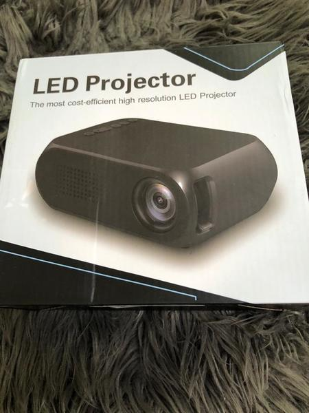 Used LED projector best 1 in Dubai, UAE