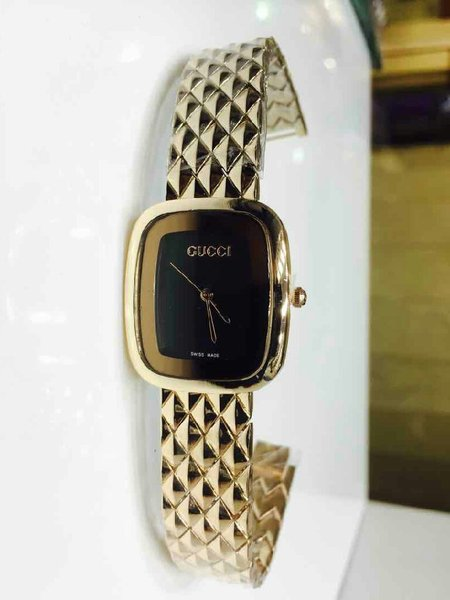 Used Ladies Gucci  branded watch first copy in Dubai, UAE