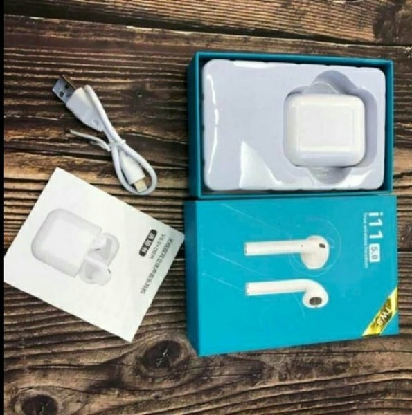 Used Copy airpod i11 new in Dubai, UAE