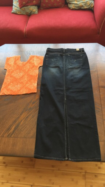 """Used New""""Guess"""" skirt 27""""size &free size top in Dubai, UAE"""
